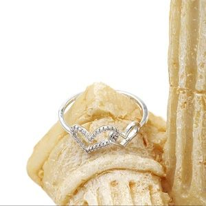 Ocean Fashion Jewelry - Cute little love crystal ring